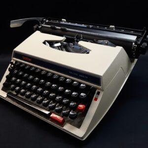 Brother schrijfmachine de luxe 662 TR